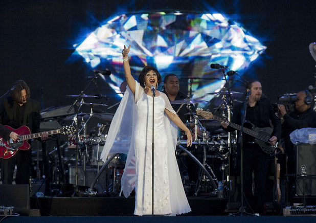 Shirley Bassey on stage outside Buckingham Palace during the Diamond Jubilee Concert.