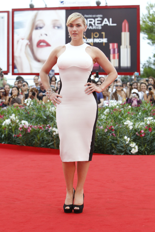 Kate Winslet, Stella McCartney dress