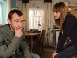 Maria is shocked when Marcus tells her his plan of moving back to London, but she puts forward a strong reason to stick around