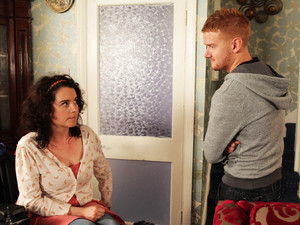 Izzy tells a shocked Gary that she knows he doesn't want kids yet, and does not expect him to stick around for one