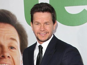 Mark Wahlberg The Los Angeles Premiere 'Ted' at Grauman's Chinese Theatre - Arrivals Los Angeles, California