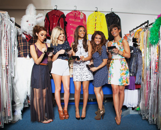 The Saturdays, Bill Oddie in 3DS photography contest