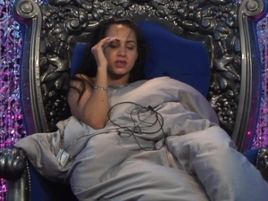 Big Brother Day 25: Deana cannot sleep due to noise.