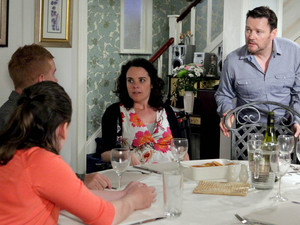 Izzy and Gary break their news to Anna and Owen