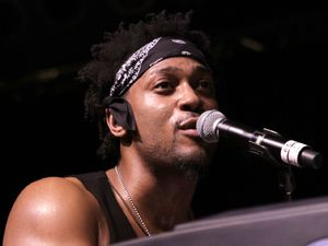D&#39;Angelo performs live at Bonnaroo for the first time after a 12-year hiatus from music - June 10, 2012
