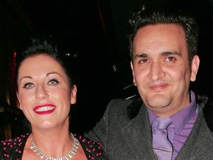 Jessie Wallace, Tim Arnold