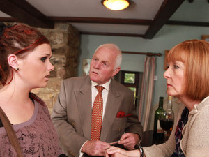 Amy and Val discuss what she should do following the reappearance of her mother, Kerry