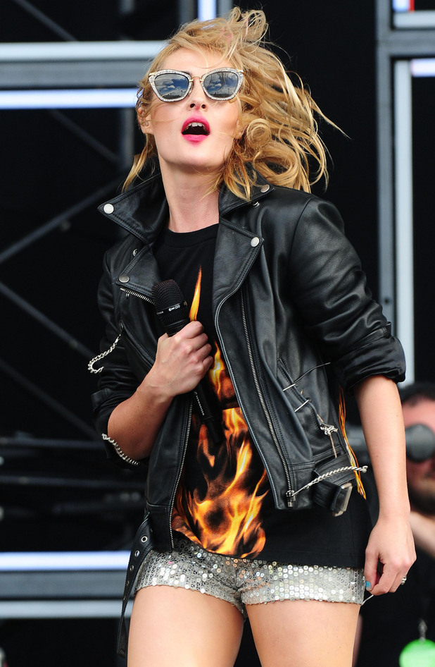 Emily Haines of Metric.