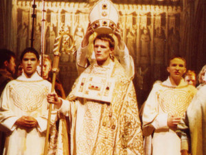 Matt Smith as Thomas Beckett in &#39;Murder in the Cathedral&#39; at London&#39;s Southwark Cathedral.