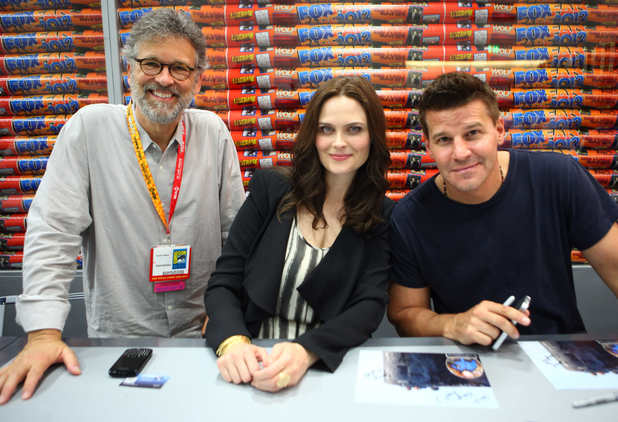 The cast of Bones at the fan signing.
