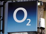 An o2 shop in London&#39;s Oxford Street
