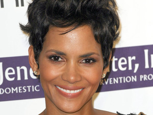 Halle Berry arriving at The 2012 Silver Rose Gala and Auction in Los Angeles, California on 14.04.12