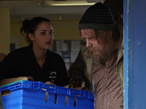 As Lauren finishes her day of volunteering at the hostel for the homeless, she can hardly believe her eyes when she suddenly sees a dishevelled and barely recognisable Ian Beale amongst the homeless