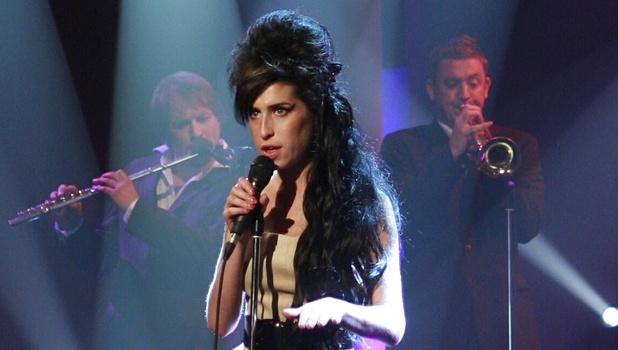 Amy Winehouse on Parkinson's TV Programme .  Singing on stage.