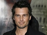 "Director Len Wiseman arrives for the premiere of ""Live Free Or Die Hard"""