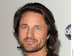 Martin Henderson.  Grey T-shirt and leather jacket