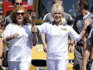 Joanna Lumley, Jennofer Saunders, Olympics 2012