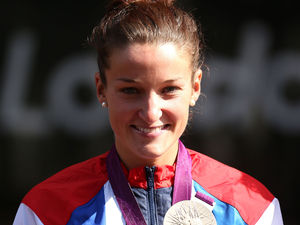 Lizzie Armitstead with her Silver medal following the Women&#39;s Road Race at The Mall, London.