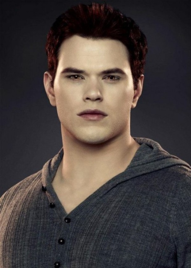 Kellan Lutz as Emmett Cullen.
