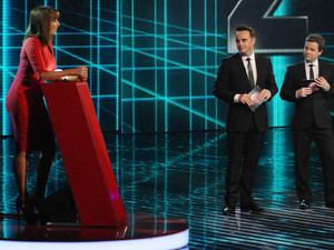 Red or Black Episode 1: Carol Vorderman (Red) with Ant and Dec