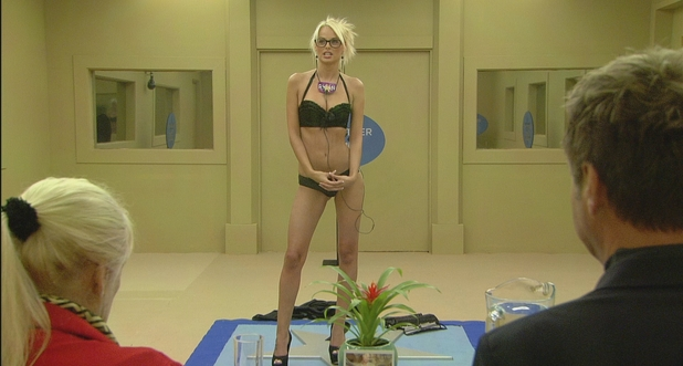 Rhian poses for the judges.