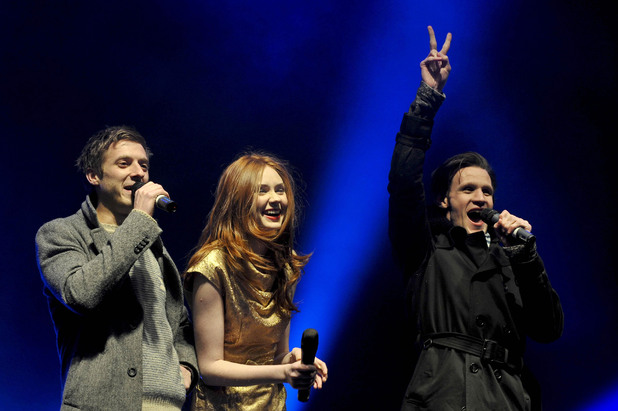 Arthur Darvill, Karen Gillan, Matt Smith, peace sign, Doctor Who