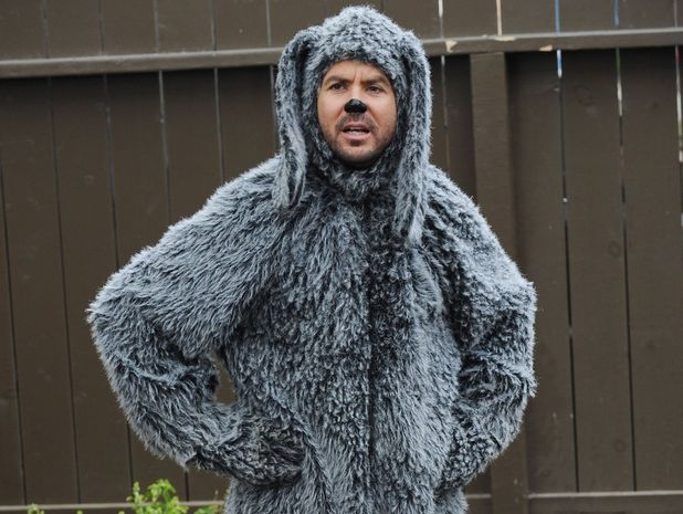 Jason Gann in 'Wilfred'
