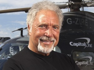 Tom Jones jets off to V Festival in a Capital One helicopter