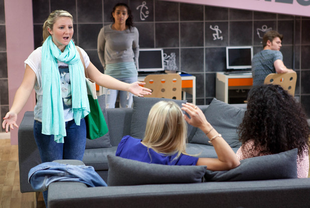 Esther confronts Maddie.