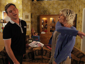 Coronation Street, Gloria slaps Karl, Wed 5 Sep