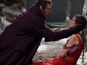 Hugh Jackman and Anne Hathaway in Les Miserable movie