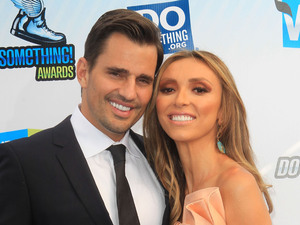 Bill Rancic, Giuliana Rancic at the DoSomething.org and VH1's 2012 Do Something Awards 2012 at Barker Hangar Santa Monica, California - 19.08.12 Mandatory Credit: FayesVision/WENN.com