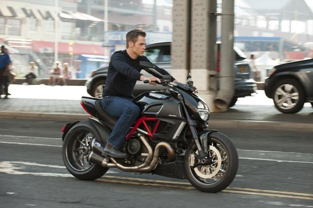 First look at Chris Pine as Jack Ryan