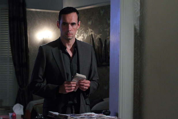 Michael faces an ultimatum in EastEnders