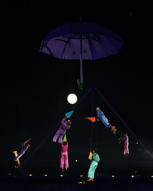 umberella performers