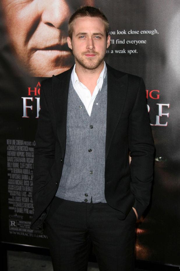 Ryan Gosling, cardigan