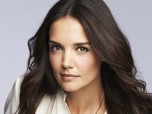 Katie Holmes new face of Bobbi Brown Cosmetics