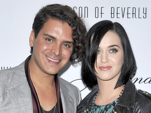 Designer Markus Molinari, Katy Perry, at Jason of Beverly Hills high fashion jewelry store. Los Angeles, California