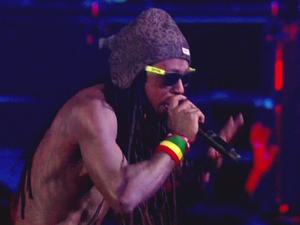 Lil Wayne performs at the MTV Video Music Awards 2012