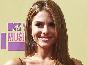 Maria Menounos attends the MTV Video Music Awards 2012