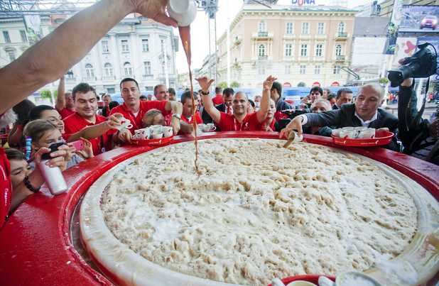 Largest cappuccino world record attempt, Zagreb, Croatia