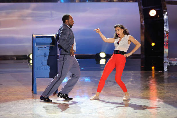 So You Think You Can Dance S09E13: All-star dancer Twitch and top 6 contestant Eliana Girard