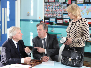 Ken comes face-to-face with Wendy Crozier in Coronation Street