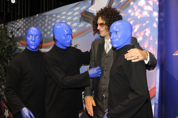 Blue Man Group and Howard Stern at the final of America's Got Talent 2012