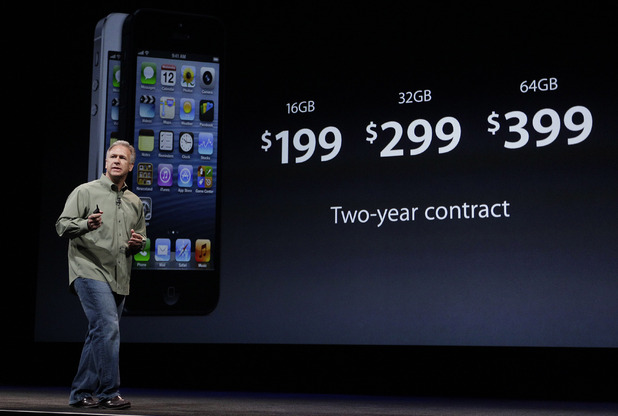 iPhone 5 launch event: Phil Schiller, Apple&#39;s senior vice president of worldwide marketing, talks about the features of the new camera and iSight during an introduction of the new iPhone 5 at an Apple event in San Francisco, Wednesday Sept. 12, 2012.