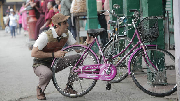 Watch the trailer for Ranbir Kapoor's new movie 'Barfi!'.
