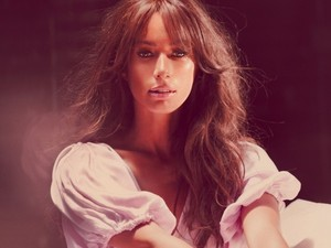 Leona Lewis 'Trouble' single artwork.