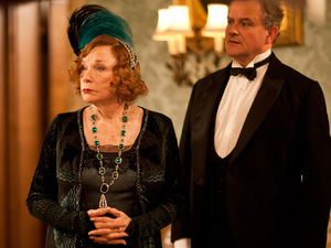 Downton Abbey S03E02: Shirley MacLaine as Martha Levinson, Hugh Bonneville as Robert