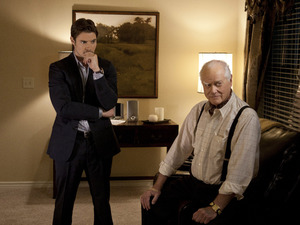 Dallas S01E03 - 'The Price You Pay': Josh Henderson as John Ross Ewing and Larry Hagman as J.R. Ewing