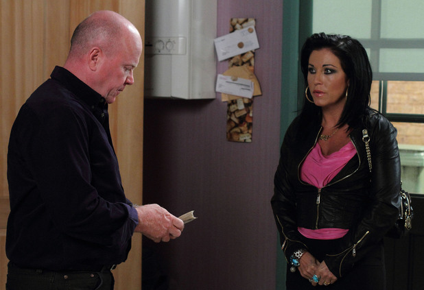 Kat raises the money she and Alfie owe Phil.
